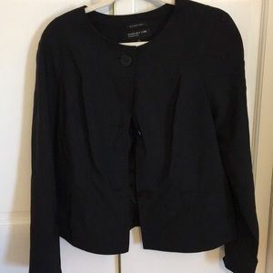 Black jacket with buttons in the front